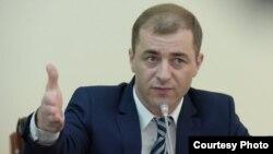 Адгур Ардзинба прокомментировал итоги несостоявшегося накануне референдума по вопросу о досрочных выборах президента республики, сказав, что, как оказалось, это просто пустая трата денег и времени граждан. фото: sputnik-abkhazia.ru