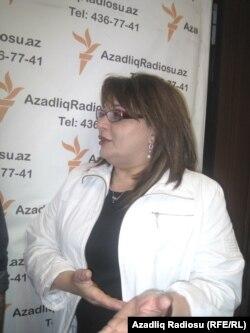 Mehriban Ələkbərzadə Azadlıq Radiosunun Bakı bürosunda, 26 aprel, 2012