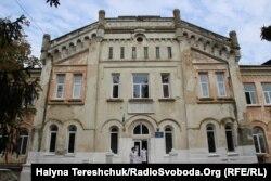 Лікарня розташовується у палаці графа Скарбека