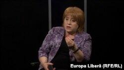 Domnica Manole în studioul Europei Libere