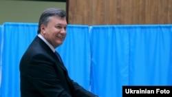 Януковіч галасуе на парлямэнцкіх выбарах у кастрычніку