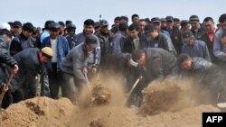 Ата-Бейит. 9-апрель, 2010-жыл