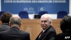 Старшыня Турэцкай рабочай партыі Догу Пэрынчэк у Эўрапейскім судзе па правах чалавека 15 кастрычніка