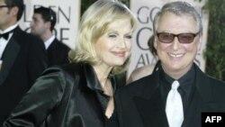 مایک نیکولز همراه با همسرش، دایان ساویر