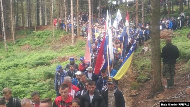 """Sudionici """"Marša mira"""" proći će deminiranom stazom kuda su Srebreničani bježali."""
