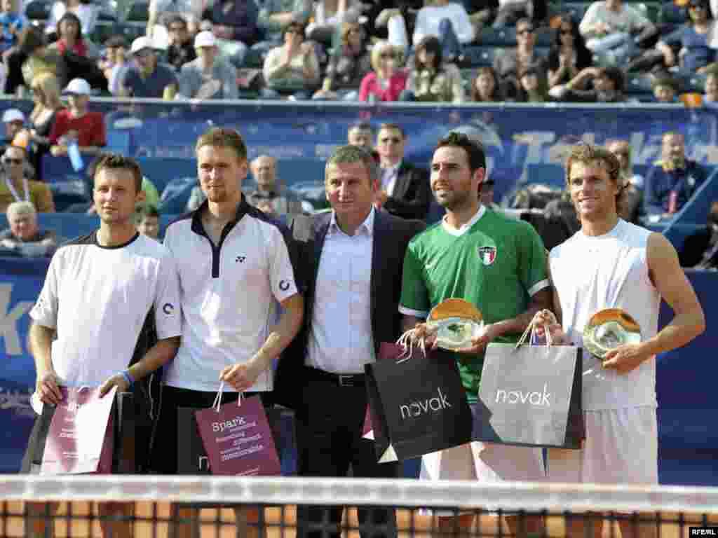 """Drugi teniski ATP turnir """"Serbia Open"""", održan je u konkurenciji 50 igrača iz 21 zemlje u Beogradu, ( 03.-09.05.2010.) Domaćin je bio Novak Đoković, a turnir je osvojio amerikanac Sam Querry, pošto je u finalu savladao svog zemljaka Johna Iznera sa 2:1 (3:6, 7:6, 6:4). Foto: Vesna Anđić"""