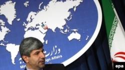 رامين مهمانپرست می گويد که دخالت غرب در سوریه «فقط به تشديد تنش ها منجر خواهد شد.»