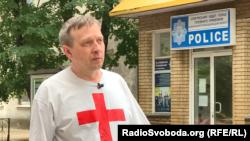 Євген Ткачов, волонтер