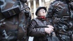 """""""Nem félek"""": a belarusz tüntetők ikonikus dédnagymamája"""