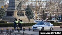 У Севастополі поліція патрулює площу Нахімова, 30 січня 2021 року