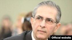مهرداد مشایخی، جامعهشناس و تحلیلگر ایرانی.