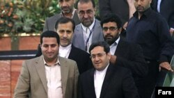 شهرام امیری هنگام ورود به فرودگاه امام خمینی در تهران