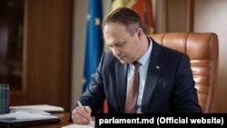 Молдова парламентинин төрагасы Андриан Канду.