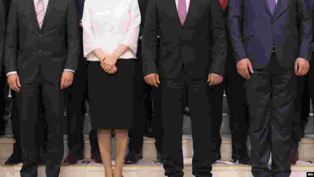 МАКЕДОНИЈА - Пратеници од СДСМ и ДУИ предлагаат сите јавни претпријатија основани од владата, освен директор, да добијат и функција заменик-директор. Ова се предвидува во предлог-измените на Законот за јавни претпријатија, кои ги поднесоа пратениците Александар Кирацовски и Благојче Трпевски од СДСМ и Реџаил Исмаили од ДУИ.