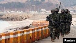 سربازان کره جنوبی در کنار مرز دو کره- عکس آرشیوی است.