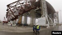 Будаўніцтва новага даху над 4-м энэргаблёкам Чарнобыльскай АЭС