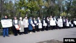 Евгений Жовтисті қолдау шарасы. Орал, 12 қазан 2009 жыл.