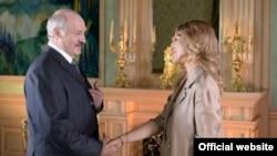 Президент Беларуси Александр Лукашенко и ведущая телеканала «Дождь» Ксения Собчак.