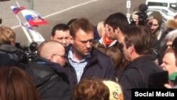 Алексей Навальный на месте убийства Бориса Немцова. Москва, Москворецкий мост, 7 апреля 2015