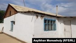 Дом в Арыси, где живет семья Махамбетжана Бейсебаева.