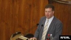 Представительница министерства на замечания омбудсмена сказала, что на более интенсивные меры нужны большие средства
