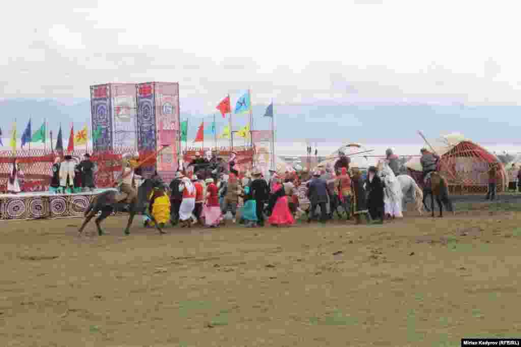 Тайлак Рыскул уулу болжол менен 1796-жылы азыркы Ак-Талаа районунун аймагындатуулган. Ал он тогузунчу кылымдын биринчи жарымынан тарта кыргыз элинин көз карандысыздыгы үчүн күрөш жүргүзгөн. Ал 1838-жылы Кокон хандыгынын тыңчысы тарабынан ууландырылып өлтүрүлгөн.