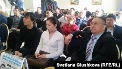 Участники гражданских слушаний от ОСДП. Астана, 23 февраля 2016 года.