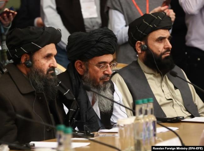 Përfaqësues të talibanëve në një konferencë ndërkombëtare në Moskë.