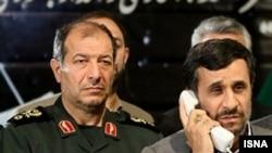 محمود احمدی نژاد دستور پرتاب ماهواره اميد را صادر می کند، دوشنبه ۱۴ بهمن ۱۳۸۷
