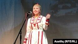 Чуаш телендә Тукай шигырен сөйләп беренче урынны алган Лилия Кудрякова