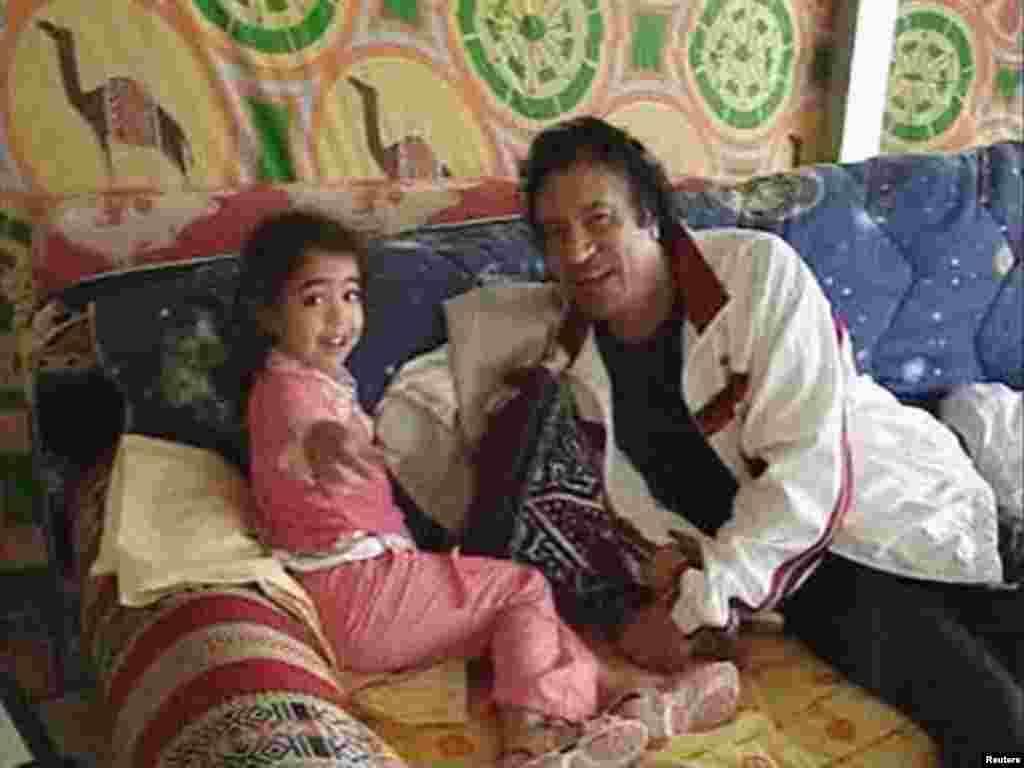 Триполи, 2005 ел. Каддафи оныгы белән уйный