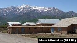 Село Кара-Мык Чон-Алайского района. 5 июня 2021 года.