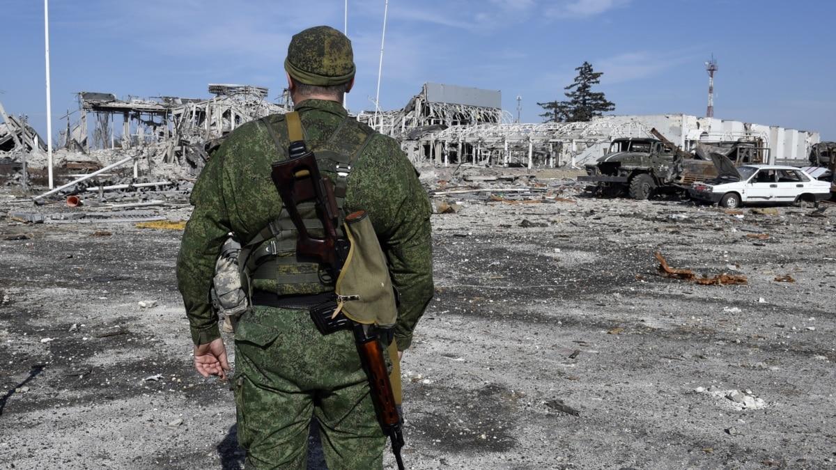 Российские гибридные силы угрожают «боеготовностью» на Донбассе: что происходит?
