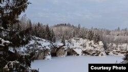 Kareliyada göl (arxiv fotosu)