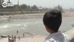 Милиция в Таджикистане ловит подростков, которые купаются вне пляжей