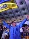 На НСК «Олімпійський» на величезному екрані (160 квадратних метрів) вболівальники спостерігали за першим матчем української команди на чемпіонаті Європи