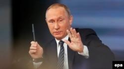 Ռուսաստանի նախագահ Վլադիմիր Պուտինը ամենամյա ասուլիսի ժամանակ, Մոսկվա, 17-ը դեկտեմբերի, 2015թ.