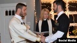 Дато Шубладзе опубликовал у себя в Инстаграме фотографии бракосочетания в чохах, вызвавшие бурную реакцию