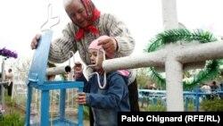 Transmiterea tradiției la Paștele Blajinilor