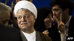 ثبت نام اکبر هاشمی رفسنجانی برای انتخابات ریاست جمهوری- ۲۱ اردیبهشت ۱۳۹۲