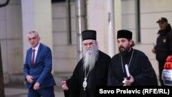 Amfilohije po izlasku iz kabineta Duška Markovića