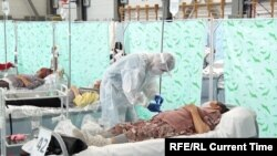 Кыргызстанда пандемияда ачылган убактылуу ооруканалардын бири. Июль, 2020-жыл.