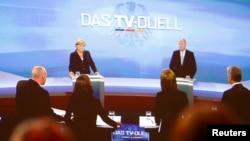 Ангела Меркел и Пер Штајнбрик на ТВ дебата