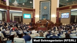 Такий вигляд мають спільні засідання обох палат парламенту Казахстану, архівне фото