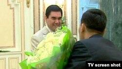 Türkmenistanda prezidentiň doglan güni resmi derejede bellenmeýär. Muňa garamazdan ýurtda bu senä gabatlap syýasy we medeni çäreler giňden geçirilip gelinýär.