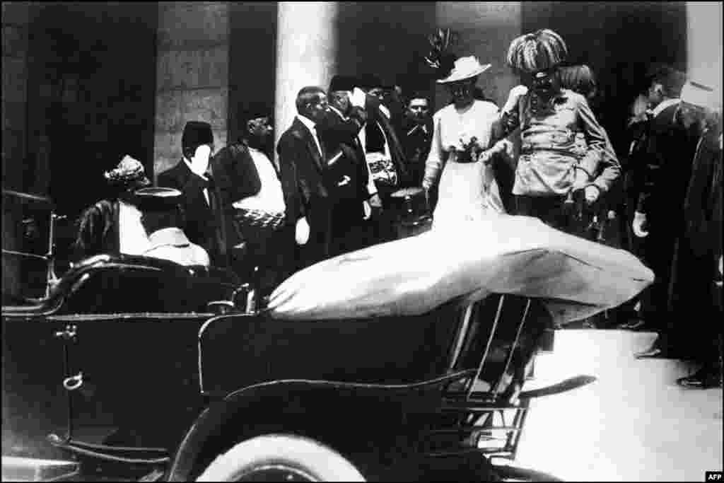 The royal couple arrived in Sarajevo by train and, according to the original plot, the archduke was supposed to be killed in his car while driving on the road into the city. Franz Ferdinand and his wife are seen approaching their car shortly before the assassination.