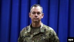 Kolonel Steve Warren.