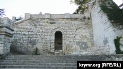 Великі Мітридатські сходи в анексованій Керчі