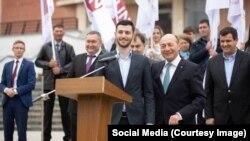 Sergiu Burlacu, sprijinit de fostul preşedinte român Traian Băsescu