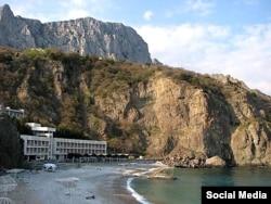 Крымский курорт Форос, где в дни путча был изолирован Михаил Горбачев